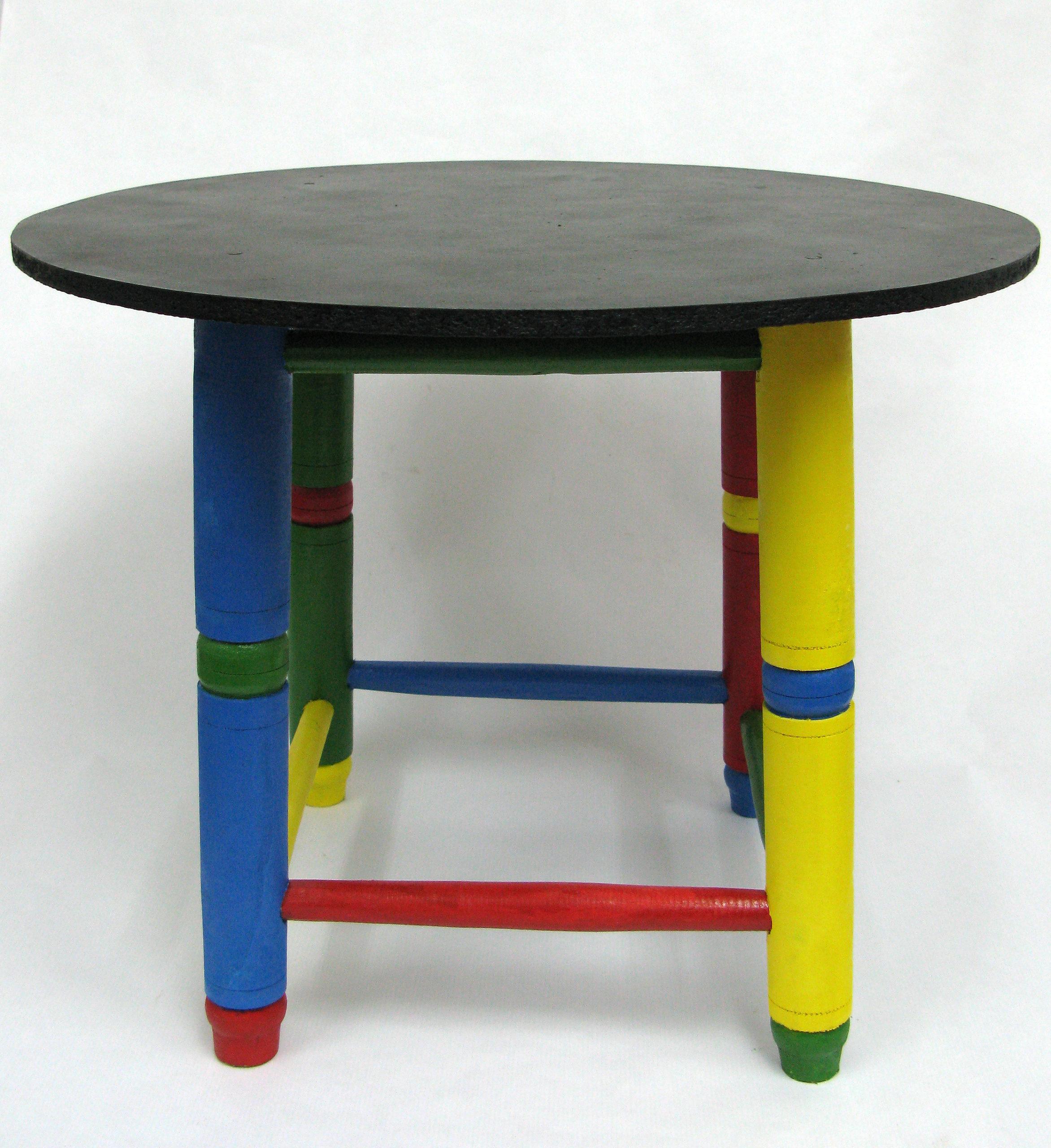 Mesa para niño pintada