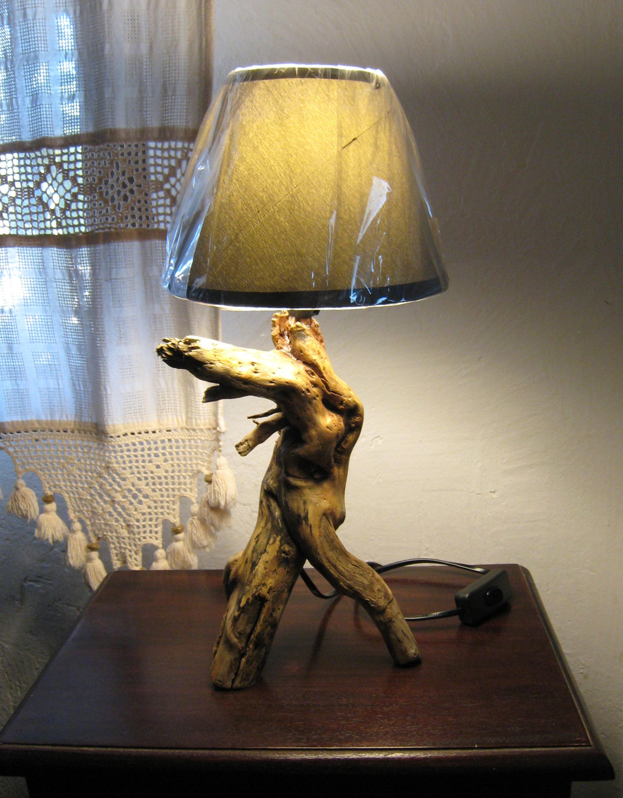 Lámpara de raíz