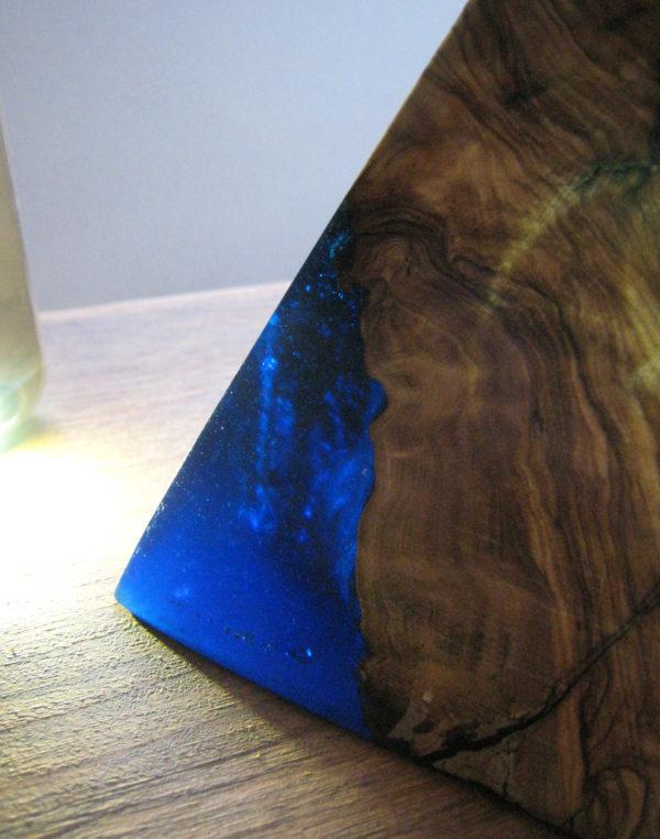 pirámide madera olivo